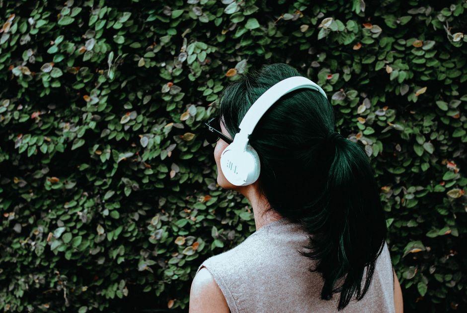 ¿Buscas unos auriculares inalámbricos? Te mostramos los modelos más vendidos y baratos de Amazon