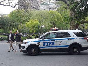 """""""Jesucristo"""" volvió y fue arrestado desnudo en parque de Nueva York"""
