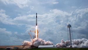 ¿Son ovnis lo que se vio en la transmisión de la NASA durante lanzamiento del SpaceX?