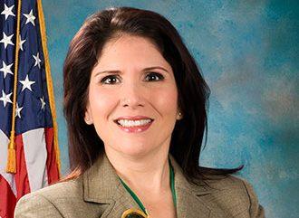 Evelyn Sanguinetti es nombrada directora del Centro de Equidad de Vivienda HOPE