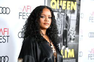 Rihanna paga $415 mi dólares mensuales por mansión donde vivieron las Kardashian