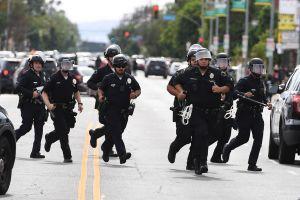 En Minneapolis aprobaron el desmantelamiento de la Policía tras muerte de George Floyd; ¿qué pasará ahora?