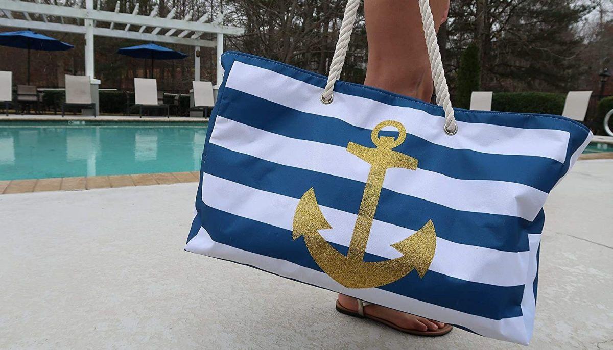 Los 5 mejores bolsos de estilo oversize y resistentes al agua para llevar a la playa o piscina