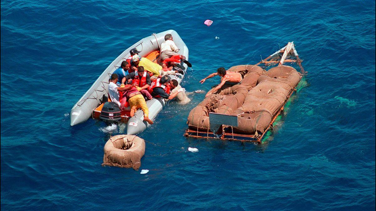 Se perdieron en el mar y se quedaron sin agua potable.