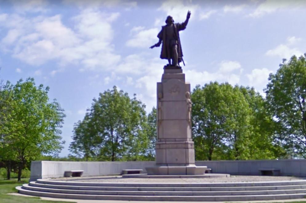 La alcaldesa Lightfoot decide retirar dos estatuas de Cristóbal Colón en Chicago
