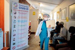 Incrementan esfuerzos de vacunación en el sur y oeste de Chicago