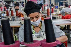 El gobierno debe proteger a los trabajadores esenciales durante pandemia