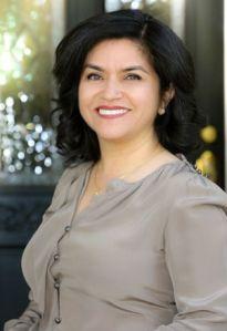 Inmigrante mexicana dirige la Agencia de Vivienda de California