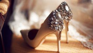 Los mejores diseños de zapatos para combinar con tu vestido de novia