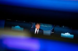 """Enorme oposición a orden de Trump que afectaría a millones de inmigrantes y que califican de """"ilegal"""""""