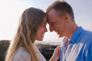 ¿Quiénes son más felices, los solteros o los casados? Un estudio científico responde