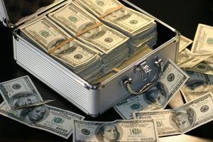 IRS busca a contribuyentes para entregarles $1.5 millones de dólares que les debe