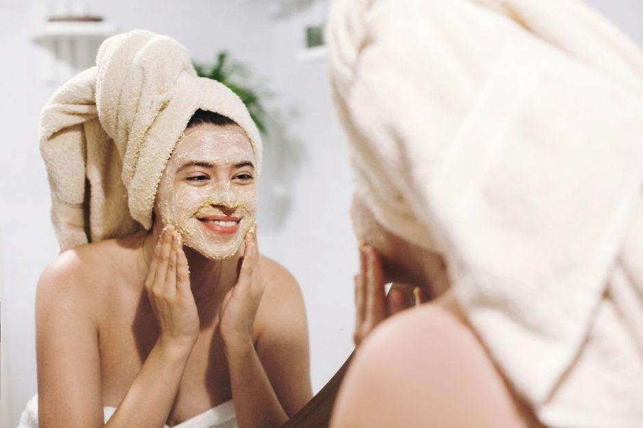 Los 5 mejores tratamientos exfoliantes para tener un día de spa en casa