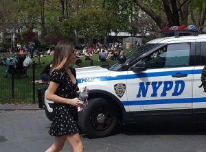 Jefe NYPD se disculpa con dos adolescentes vistos como sospechosos por error y los invita a almorzar