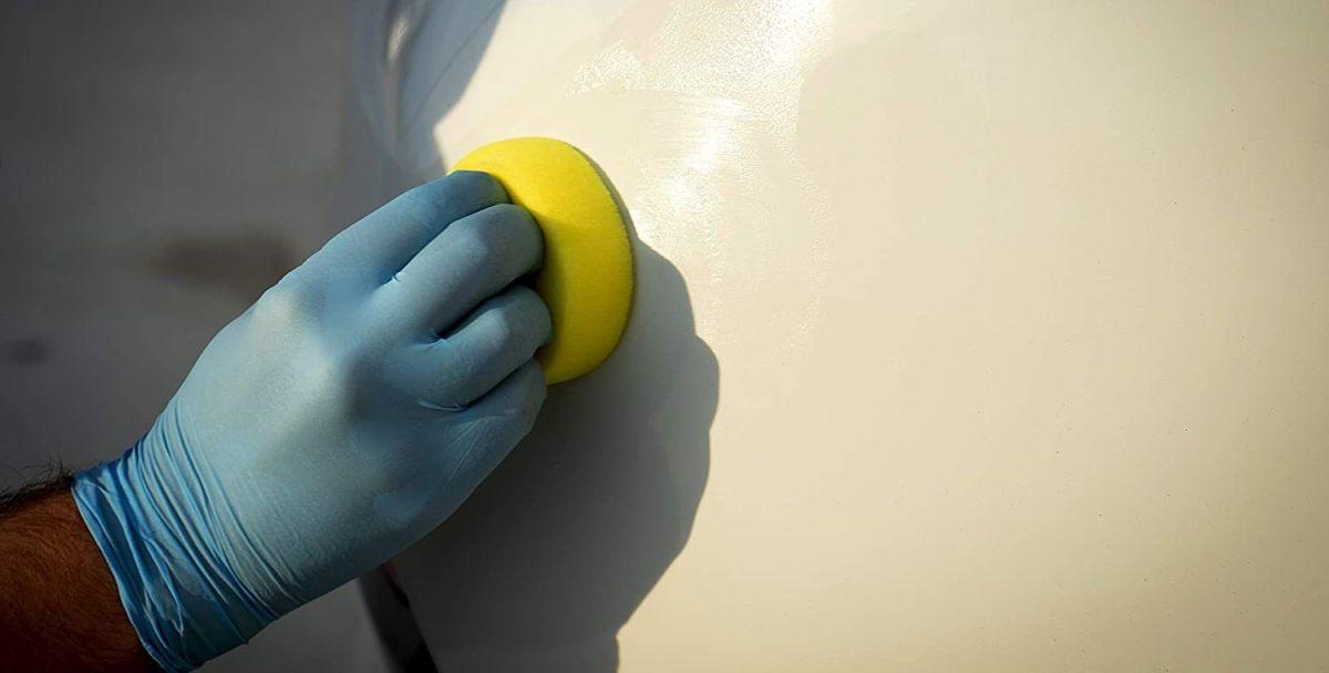 Los 4 mejores productos para limpiar tu auto sin rayar la pintura