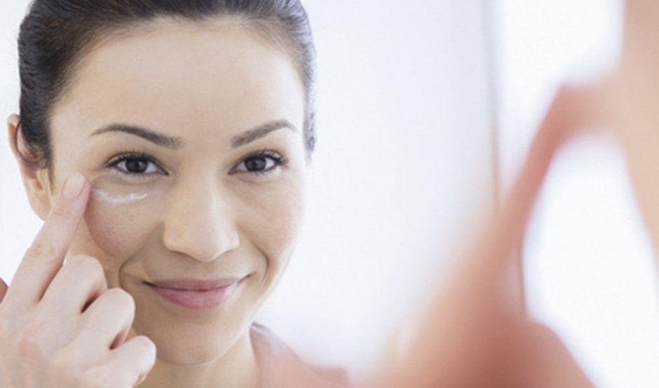 Las 5 mejores cremas de contorno de ojos para eliminar las arrugas y las ojeras
