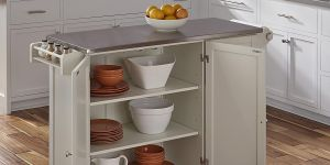 6 islas y carritos de cocina útiles para cuando tienes invitados en casa