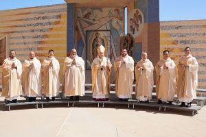 Se ordenan los primeros sacerdotes de la pandemia en Los Ángeles