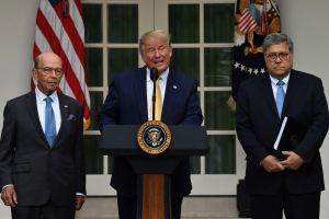 Defensores de inmigrantes refuerzan demanda contra prohibición de Trump sobre indocumentados y censo