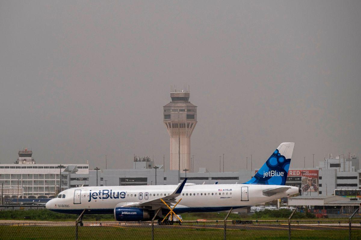 JetBlue le pidió a la madre de la niña que abandonara el avión.
