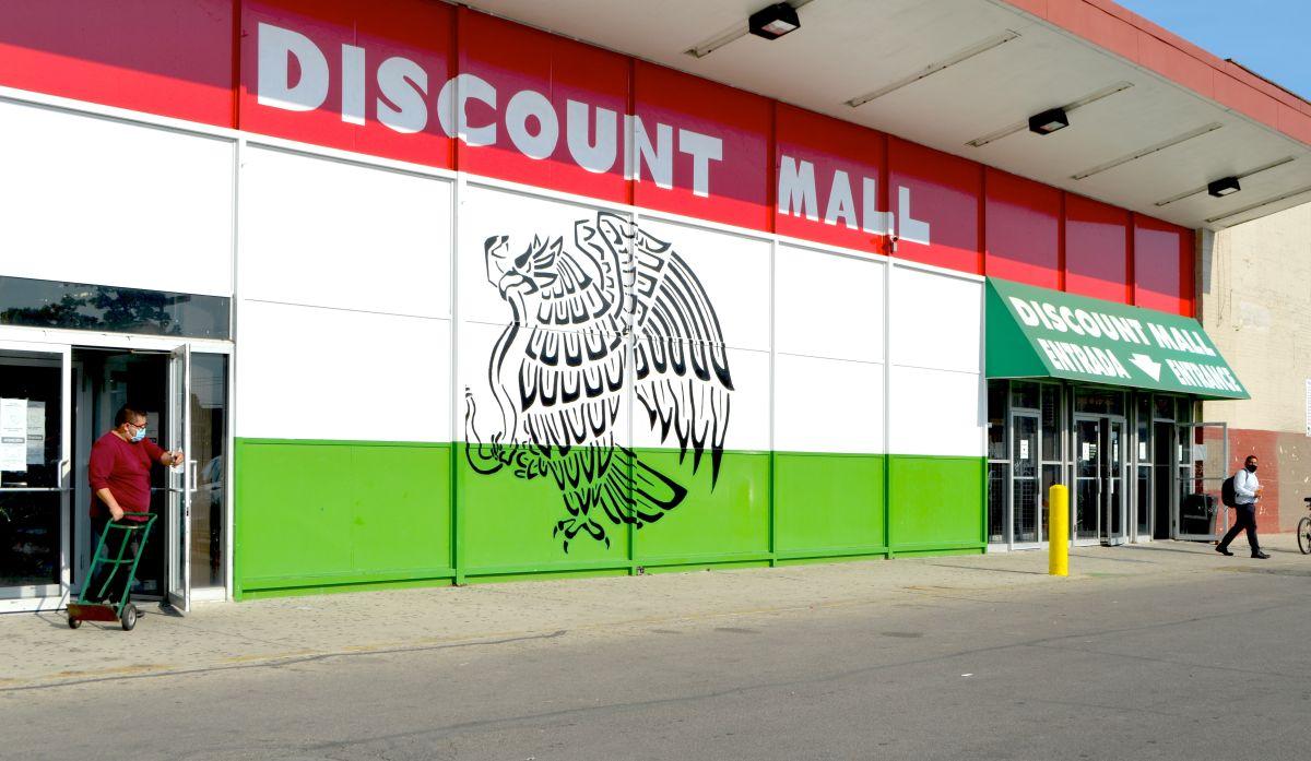 Preocupa a comerciantes y vecinos el futuro del Discount Mall de La Villita
