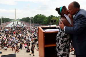 Miles marchan en Washington para reclamar el sueño incumplido de Martin Luther King Jr.
