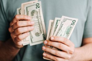 5 escenarios en los que el IRS podrá otorgarte un nuevo cheque de estímulo y ajustar pagos a tu favor