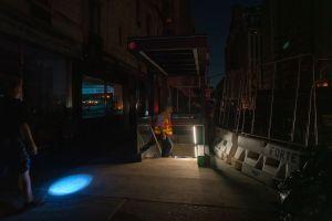 Apagón en Manhattan y Queens: miles afectados y retrasos en servicio del Metro y LIRR