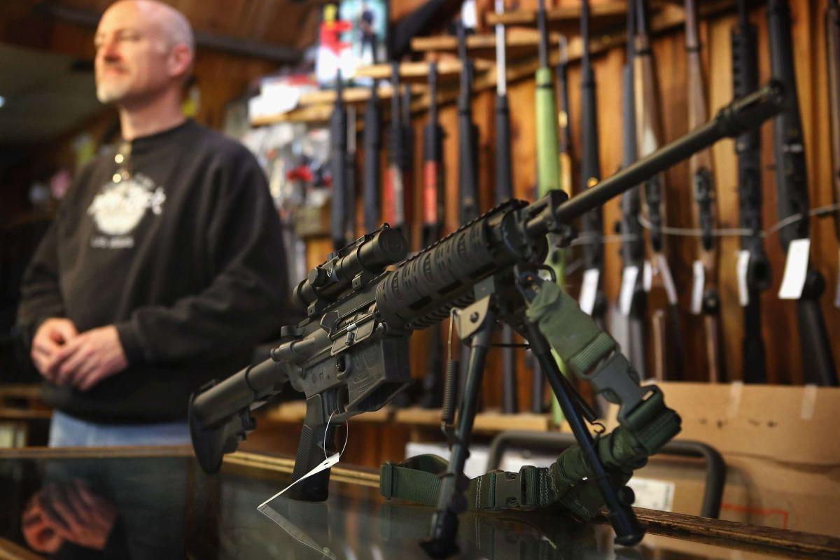 En Estados Unidos se puede comprar un arma en un supermercado como Walmart.
