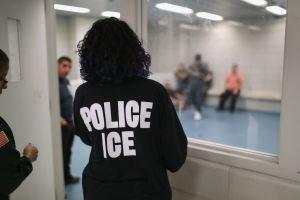 Aumentan contagios de coronavirus en prisiones de ICE