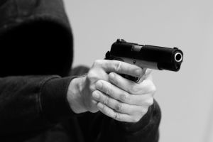 Muere ladrón al intentar robar un banco en la India