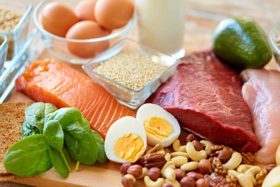¿Cuánta proteína debo comer al día para lograr adelgazar?