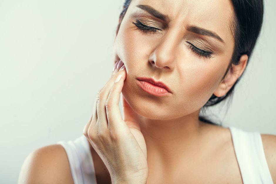 Qué comer y qué no luego de una cirugía de extracción de dientes