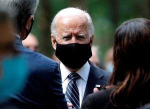 Anuncian millonaria campaña en español e inglés para convencer a latinos de votar por Biden