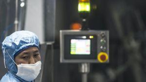 Las empresas chinas que están desarrollando vacunas contra covid-19 (y qué puede pasar si alguna de ellas la produce primero)