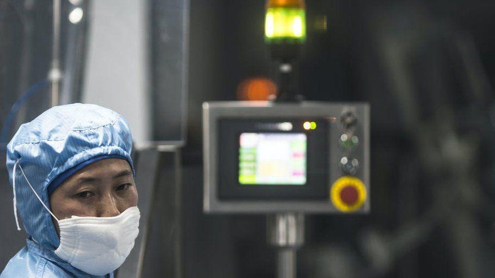 Los chinos bien podrían estar en la delantera del desarrollo de la vacuna de covid-19.