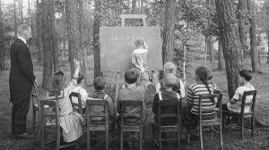Cómo hace 100 años se fomentó el regreso a la escuela en medio de una terrible enfermedad infecciosa