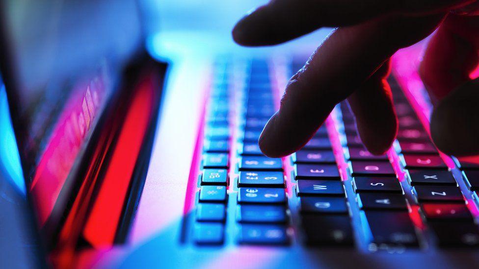 Microsoft asegura que hackers de Rusia, China e Irán han apuntado a las campañas electorales.
