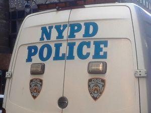 Disparan a hombre mientras paseaba a su perro en Brooklyn