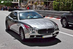 Conductor muere baleado manejando un Maserati último modelo en Nueva York