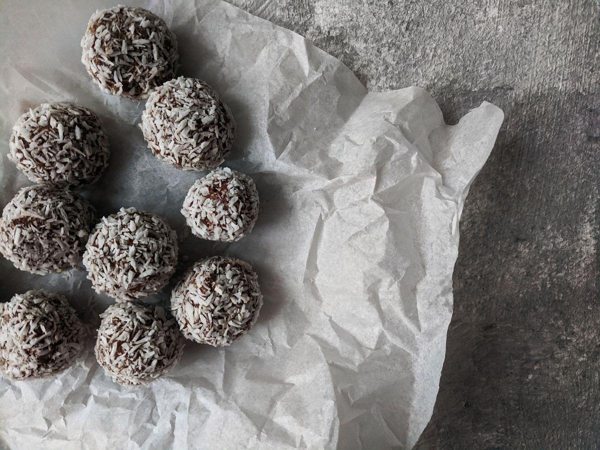 Estas bolitas de avena y cacahuate son deliciosas y muy fáciles de preparar.