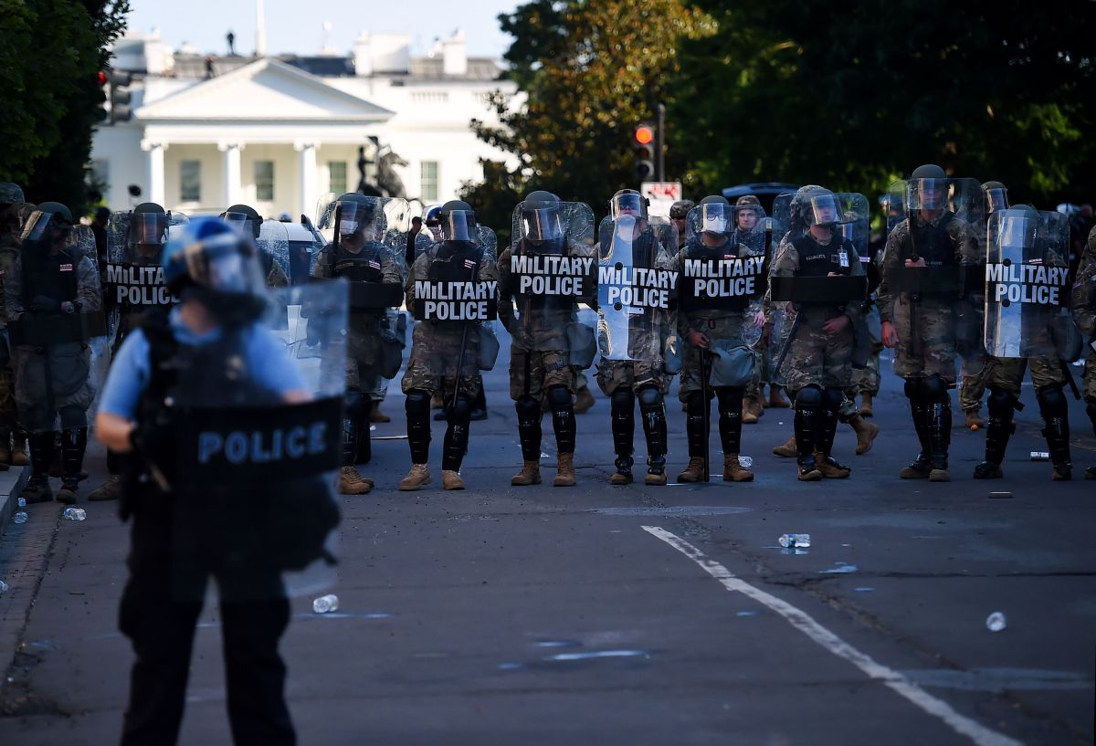 Protestas se reportaron cerca de la Casa Blanca a principios de junio por el asesinato de George Floyd a manos de la Policía.