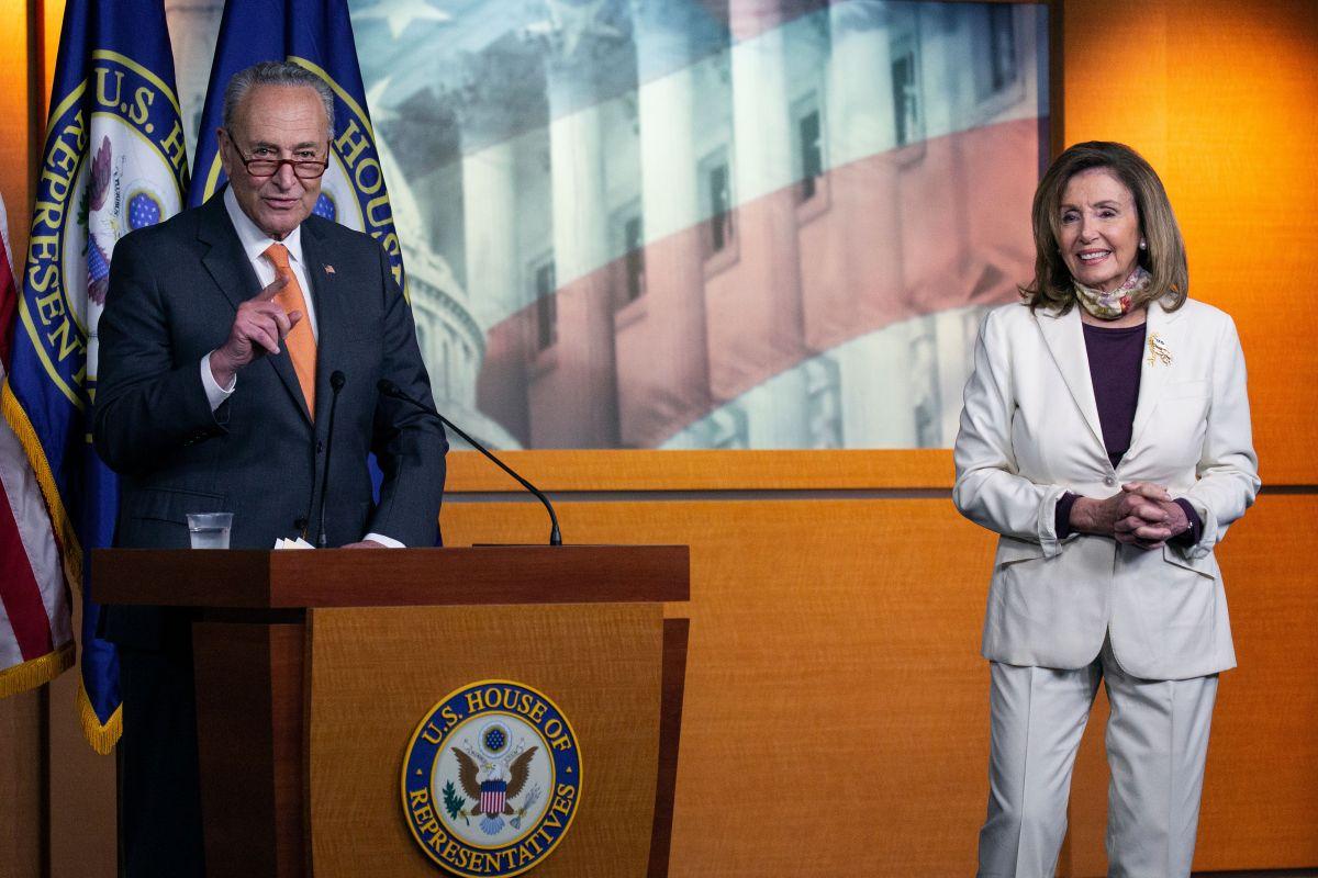 El líder de la minoría en el Senado, Charles Schumer, y la presidenta de la Cámara, Nancy Pelosi.