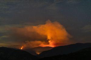 Alerta por mala calidad del aire debido a incendio Bobcat en el Bosque Nacional de Los Ángeles