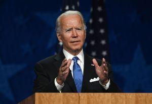 Joe Biden hace su primer acto de campaña en Florida con una reunión con hispanos