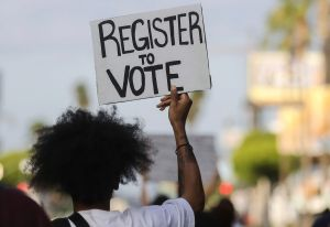 200,000 personas retiradas de registro de votantes en Georgia bajo falso argumento
