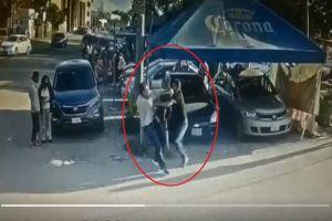 VIDEO: Papá mata apuñala en corazón a violador de su hija y termina en la cárcel