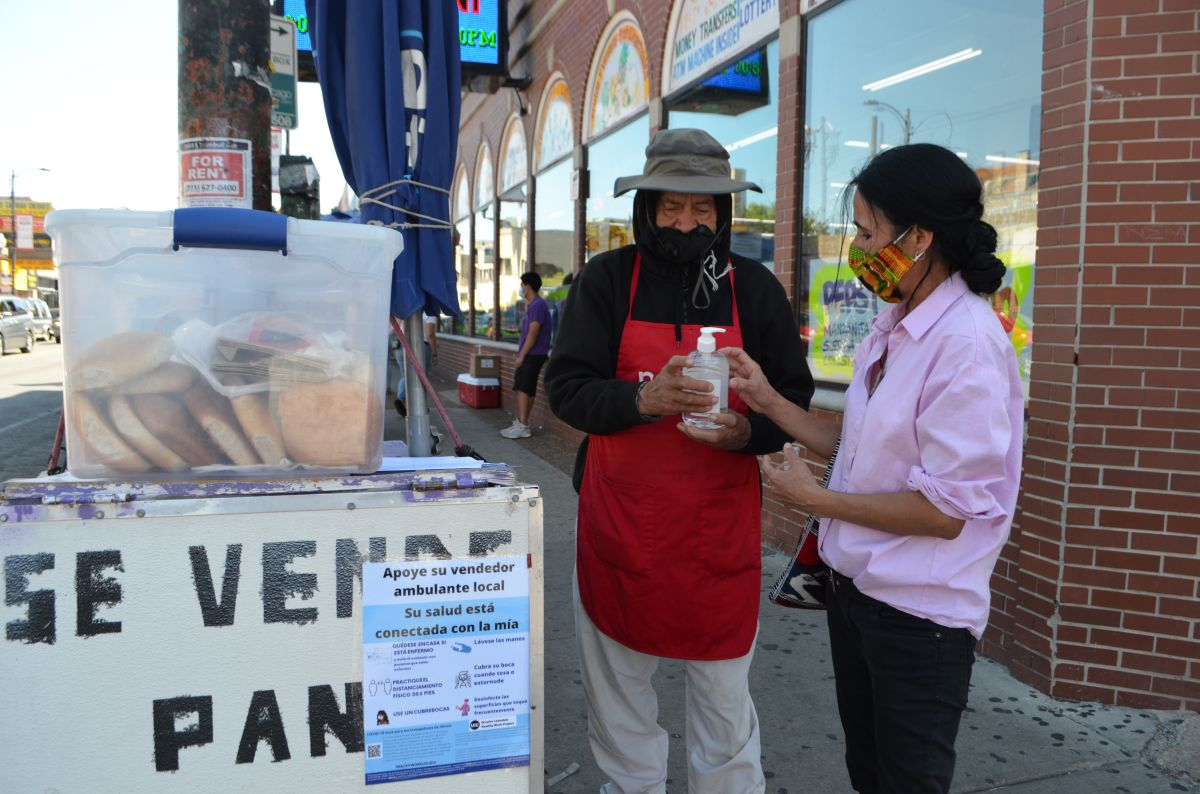 Selling on the streets: How Hispanic street vendors in Chicago adapt to COVID-19