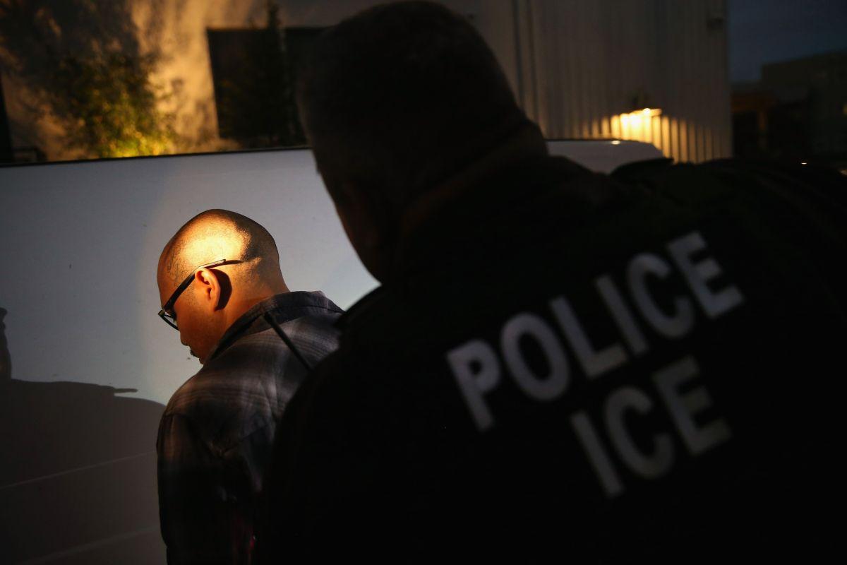 Los 'tepesianos' seguirán expuestos a deportación aunque consigan 'advance parole'.