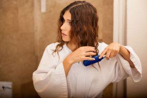 ¿Tu cabello es frágil y crece muy lentamente? Mira los beneficios de la biotina